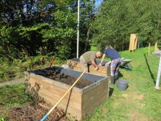 Projekt VSEZELENO: sadnemu drevju in trti se pridružujejo tudi domača zelišča in dobrote iz vrta.