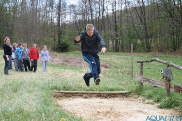 Učilnico v naravi pogostokrat popestrimo s športnimi aktivnostmi.