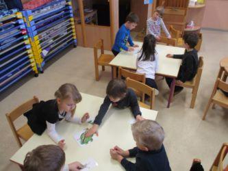 Ko dežuje, spoznavamo pestrost živega sveta kar v učilnici.